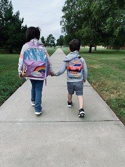 Première rentrée scolaire, comment y préparer son enfant?