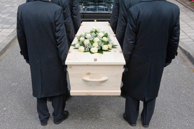 Quelle formation suivre pour travailler dans les pompes funèbres ?